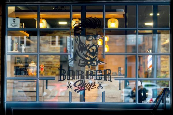 logo devanture barber shop coiff'hommes place du marché lamballe